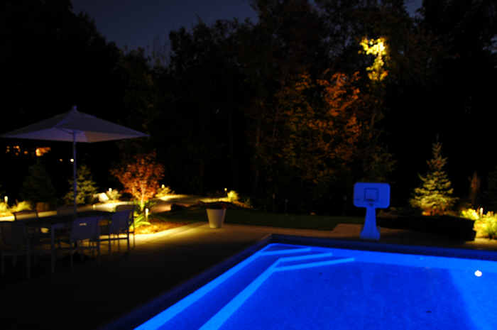 How To Find The Right Pool Deck Lighting